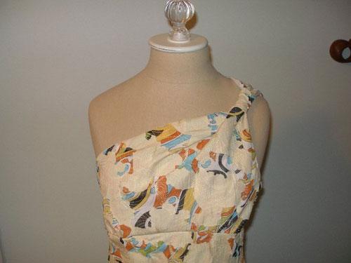 One-shouldered dress
